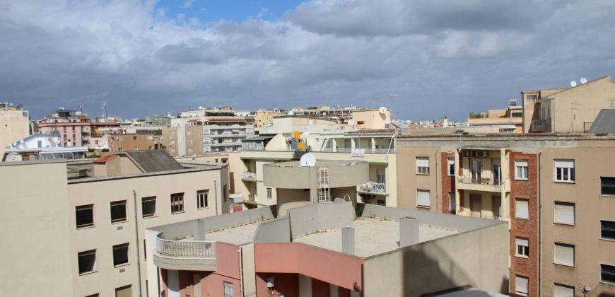 Cagliari via Palestrina trivano piano alto